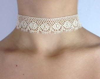 Scalloped Lace Choker made with Vintage Lace with adjustible chain and clasp