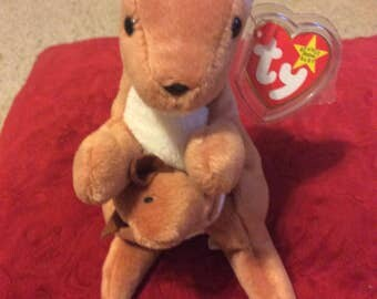 """Retired RARE Mint condition Ty """"Pouch"""" beanie baby"""