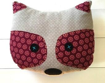 Raccoon Pillow Circles