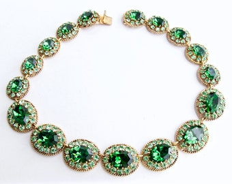 Gorgeous, vintage, Emerald green Austrian Crystal Necklace. Signed.