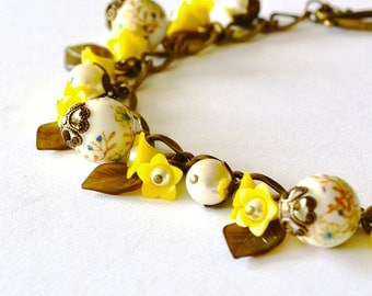 My Little Butter Cup Tensha Bead Bracelet, Japanese Tensha Yellow and White Floral Beaded Charm Bracelet, Floral Charm Bracelet