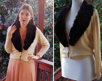 FUR Lined 1950's 60's Vintage Light Creamy Beige Cashmere Wool Cardigan Sweater with FUR Collar // size Medium