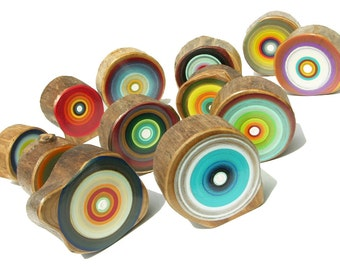 Painter and Maker Tracy Melton uses blurred lines and melding colors in his Tree Ring Wall Art A25