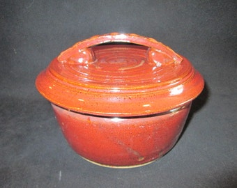 casserole in dark reds, stoneware pottery, oven and dishwasher safe, bakeware