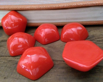 6x Vintage JuMbO Red Pentagon Cabochons