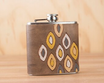 Leather Flask - Handmade Hip Flask in the Pato pattern with geometric design - 6oz Size - Groomsman Flask - Wedding Flask
