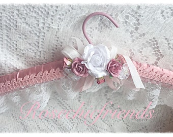Pink and White Bridal Lacy Padded Hanger Chic Shabby ECS svfteam