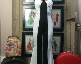 1970s jumpsuit 70s pant suit size small Vintage pants one piece black and white jumpsuit