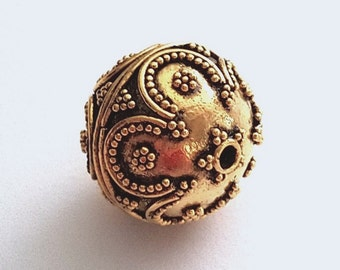 Focal Bali Bead with Granules and Wire Lines, 18mm Round