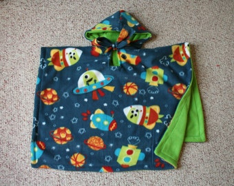 Carseat Poncho reversible for Toddlers - Space Invaders Rocket Ships and Green- Boys - Made to Order * Clearance Sale