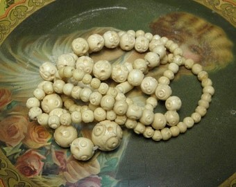 Vintage Necklace Carved Bone Beads Graduated Sizes