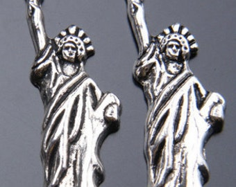 Small Statue of Liberty charms pendants jewelry findings supplies NYC New York United States of America souvenir  quantity 10 (K9)
