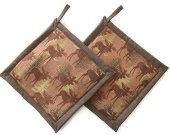 Moose in the Woods Potholders, Moose Theme Kitchen, Moose Pot Holders, Moose Kitchen Decor, Moose Hot Pads, Moose Hot Mats