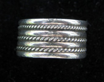 Sterling Silver Band Ring - SIze 7 1/2 ?