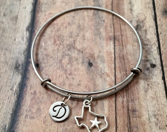 Texas initial bangle - Texas jewelry, state jewelry, lone star state jewelry, gift for Texan, Texas bangle, state of Texas bracelet