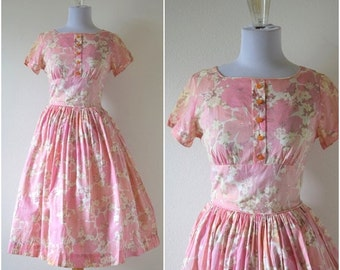 SUMMER SALE / 20% off Vintage 50s Pink Floral Circle Dress (size extra small, small)