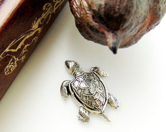 SILVER (4 Pieces) Large Sea Turtle Stamping - Jewelry Antique Silver Findings (CA-3045)