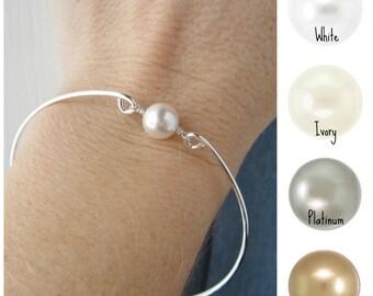 Bridesmaid bracelet, custom color Pearl bracelet, white pearl, ivory pearl, sterling silver bangle bracelet, wire bangle, bridesmaid gift