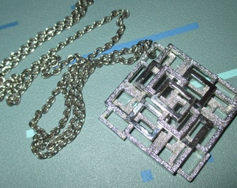 Vintage MOD 60s Geometric Dimensional Square Pendant Necklace