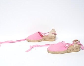 size 7 1/2 PLATFORM pink canvas 70s 80s ESPADRILLE ankle tie sandals