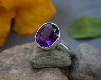 Ready to Ship Size 9: Grape Amethyst Ring, Oval Amethyst gemstone Ring in Recycled Sterling Silver