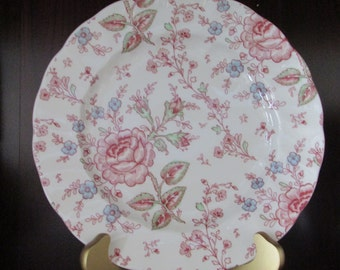 VINTAGE - Rose Pattern Plate - Johnson Brothers