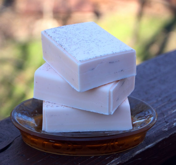 Handmade Shea Butter Soap - Georgia Peach Soap with Apricot Scrub // Gifts for Her
