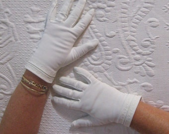 Short White Gloves . white gloves  . short white nylon gloves . made in West Germany