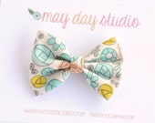 girls/toddler fabric boutique bow hair clip, mint coral yellow graphic flowers alligator clip hair bow