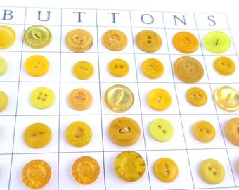 35 YELLOW VINTAGE Buttons