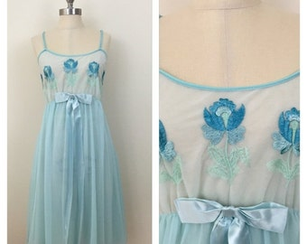 20% OFF SALE 60s Aristocraft Light Blue Floral Embroidered Baby Doll Nightgown, Size Large to XL, 38 Bust