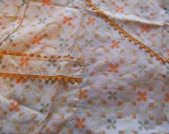 sweet vintage cotton half apron