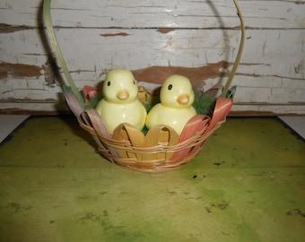 Vintage Easter Basket, Vintage Ceramic Chicks, Vintage Easter Decor, Spring Decor, Farmhouse Easter