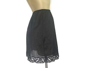 Vintage Black Slip, Black Half Slip, Lace Trim Vintage Slip, Vintage Lingerie, Black Nylon Slip, Short Half Slip, Vintage Boudoir, S M