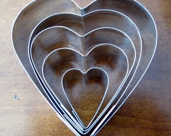 Vintage Cookie Cutters Five Hearts in Tin