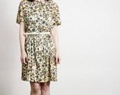 ON SALE 1960s Floral Dress . Large Size