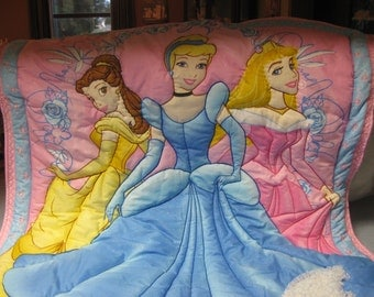 Disney Princess 3 Demensional Quilt Hand And Machine Quilted 36x44 With Lace Embellishment