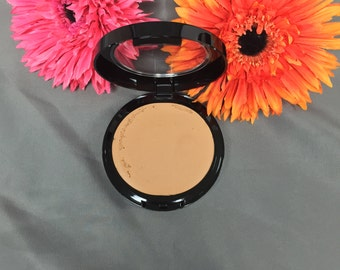 All natural Mineral Makeup Perfect Match™  Cream To Powder Mineral Foundation In MEDIUM  Color-adjusting mineral blend  Acne Safe Makeup