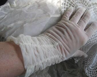 "1950's White Nylon Bridal Gloves Shalimar Size 7-1/2"" Vintage"