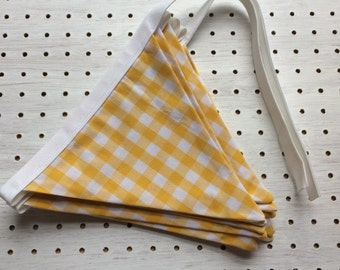 Yellow and White Checked Bunting