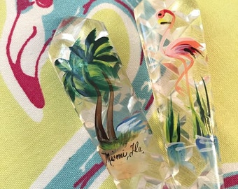 Vintage Florida souvenir salad server set fork and spoon plastic flamingos palm trees hand painted 1950s Floridiana kitsch
