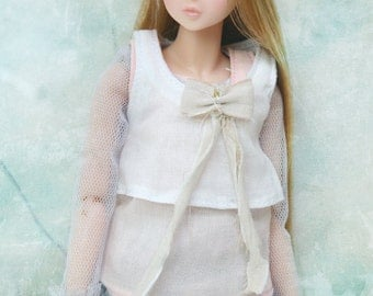 jiajiadoll 2 pieces vest pink and white for Momoko or Misaki or Blythe or Middie Blythe or ob27 ob23