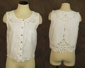 vintage 80s Bali Cutwork Shirt - 1980s White Cotton Cutwork Blouse Cropped Blouse Sz S M