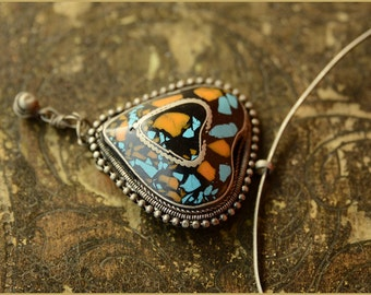 Boho '70s heart pendant - tribal ethnic - turquoise and coral color