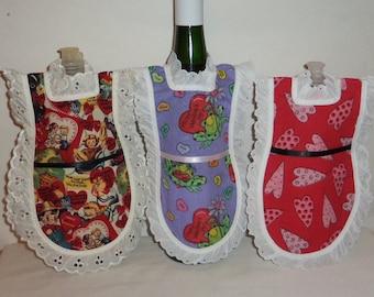 Dish Soap Apron, Handmade, Wine Bottle, Detergent Cover, Valentine's Day, Eyelet Lace, Mini Kitchen Apron, Bottle Gift Wrap