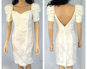 Vintage White Lace Body Con Dress. Puff Sleeves. 1980s. Wedding Bridal Dress. Open Back. Short Sleeve. Under 25. Size 9/10. L.A. GLO.