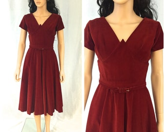 Vintage Deep Red Velvet Dress. Crimson. Christmas. Holiday. Valentine's Day. 1950s. Size XXSmall. Belt. Full Skirt. Tea Length. Festive.