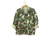 US Army CAMO Shirt Jacket Vintage Distressed United States Military Coat Drab Green Camouflage Fatigues Grunge Punk Unisex size XL