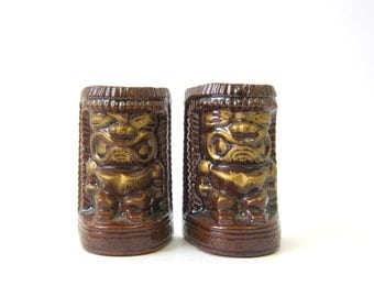 Vintage Tiki Totem Souvenir Salt and Pepper Shakers Retro Ranch Home Decor 1960s Kitschy