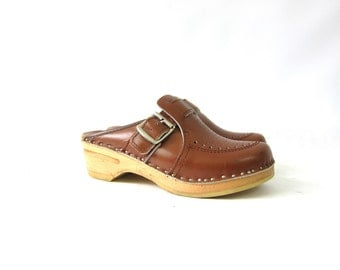 Vintage Clogs Brown Leather Wooden Slip On Sandals Mules Chunky Shoes Bohemian Boho Hippie Louanne's Vintage Women's size 36 6 Cut OUts